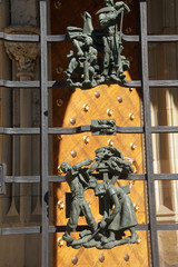 Sculptures of peasants at work