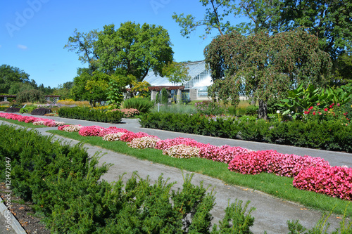 Montreal 39 s botanical garden is considered to be one of for Garden and its importance