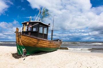 Ein Fischerboot in Ahlbeck auf der Insel Usedom