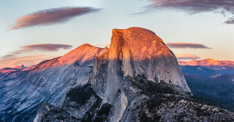 Full spelndor of the Half Dome Wall mural