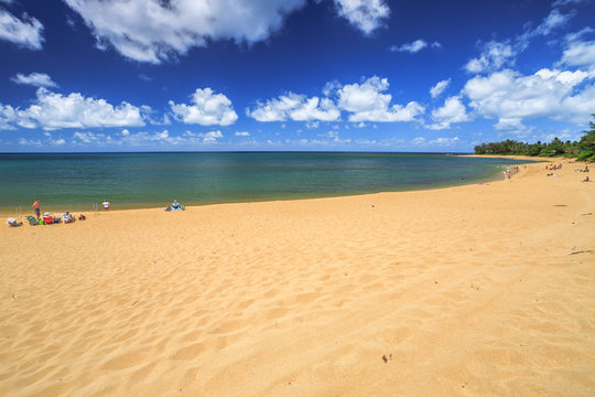 The popular Sunset Beach is on the North Shore of Oahu in Hawaii and known for big wave surfing during the winter season with the nearby Banzai Pipeline and Waimea Bay. In summer, the sea is calm.