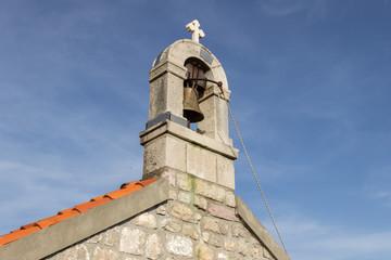 Колокольня церкви святого Ильи в Черногории. Путешествие, отдых, каникулы.