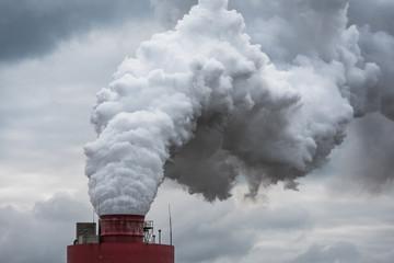 Obraz zakład chemiczny komin dym chmura produkcja - fototapety do salonu