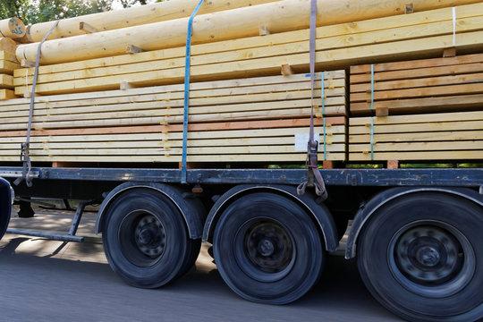 Camion transport bois