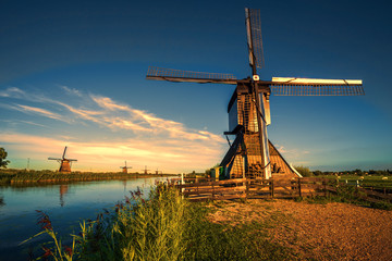 Sunrise facing the Kinderdijk windmill, the UNESCO world heritage monuments in Alblasserdam, South West of Rotterdam, Netherlands