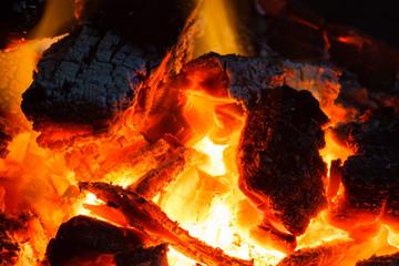 Poster de jardin Texture de bois de chauffage Wood Charcoal on Fire