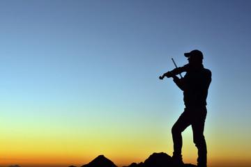 Zirvedeki Çılgın Müzisyen