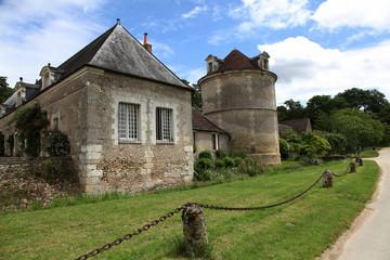 Le pigeonnier: château de Valmer.