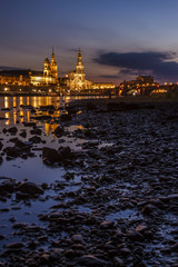 Dresden bei Nacht Elbufer