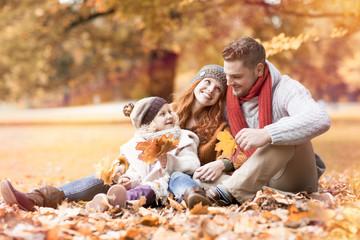 Familie im Herbst