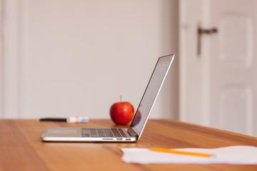 Fototapeta praca freelancer biurko laptop obraz