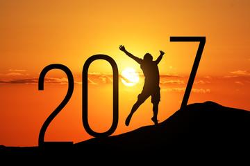 silhouette man jumping over 2017 Fototapete