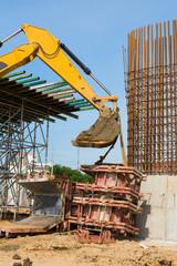 The construction of the bridge pillar