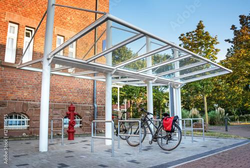 Fahrradstander Uberdacht Moderner Stellplatz Fur Fahrrader