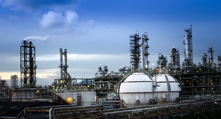 Petrochemical plant  and sphere tank