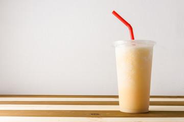 Spoed Foto op Canvas smoothies of fruit juice