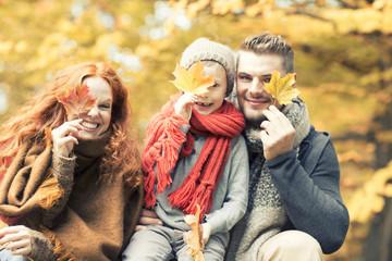 Familie mit Blättern
