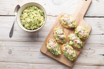 Bread with guacamole