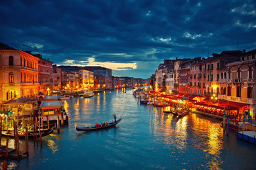 View on Grand Canal from Rialto bridge at dusk, Venice, Italy Fototapete