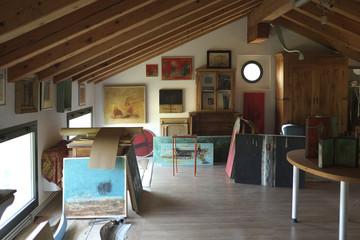 Ambiente studio pittore di quadri