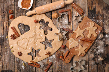 baking christmas gingerbread