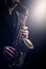 Photo sur Aluminium Musique Saxophone Player Saxophonist playing jazz music