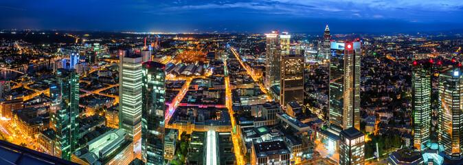 Frankfurt Bankenviertel bei Nacht Fototapete
