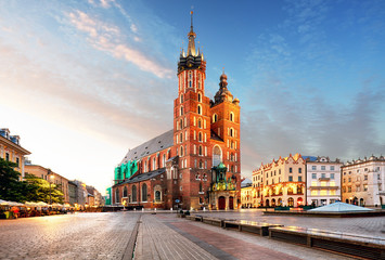 Papiers peints Cracovie Old city center view with Adam Mickiewicz monument and St. Mary'