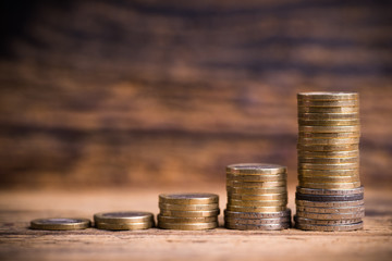überproportionale Geld-Steigerung