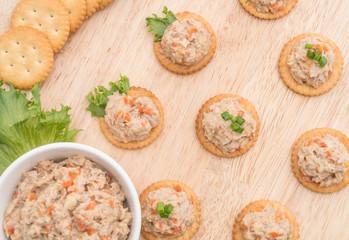tuna salad cracker