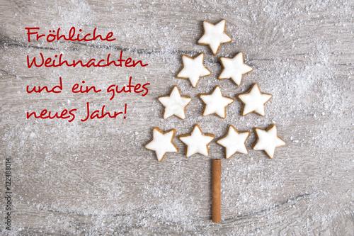 Weihnachtsgrüße Als Tannenbaum.Weihnachtsgrüße Weihnachtsbaum Aus Zimtsternen Stockfotos Und