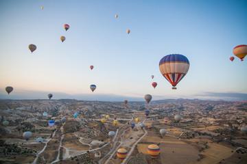 Fotobehang Rudnes Hot air balloons in Cappadocia