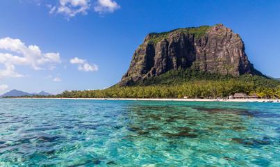 Le Morne Brabant in Mauritius mit Meer Panorama