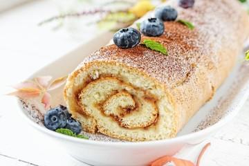 Easy apple roll cake