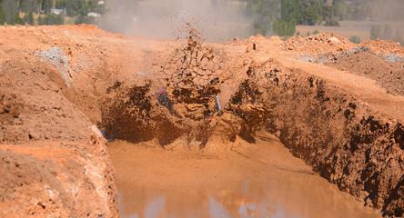 çamura giren arazi aracı