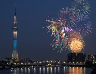 花火とスカイツリータワー