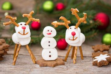 Marshmallow-Figuren zu Weihnachten