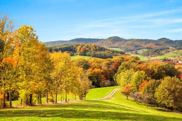 Farbenfrohe Herbstlandschaft in Deutschland