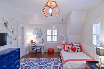 Stylish teenagers bedroom