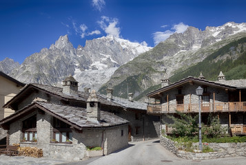 Entreves (Courmayeur), a beautiful village with new monte bianco skyway