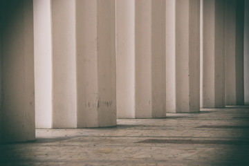 white columns, large columns, white background