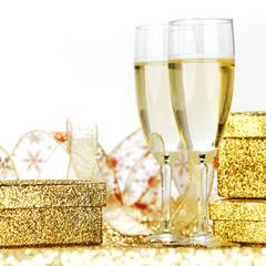Foto auf Gartenposter Alkohol Champagne and gift