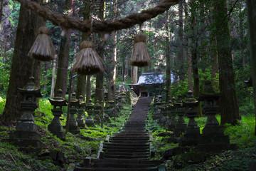 上色見熊野座神社の参道 2
