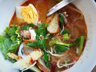 Spicy thai noodle (tom yum)