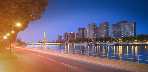 Paris cityscape with tour eiffel and business district view from