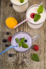 Smoothies with fresh berries