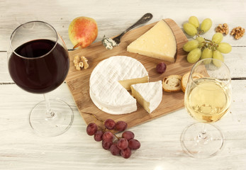 Photo of wine tasting with cheese pairings