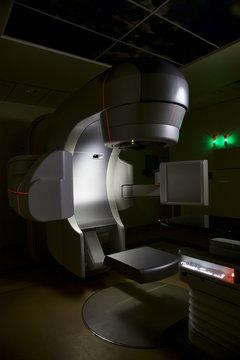 Linear accelerator x-ray machine