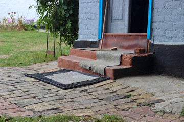 Threshold rural house