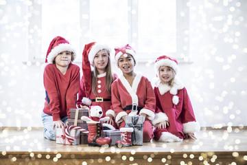 Weihnachten Geschenke Kinder